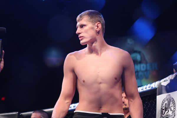 Александр Волков победил Алексея Кудина