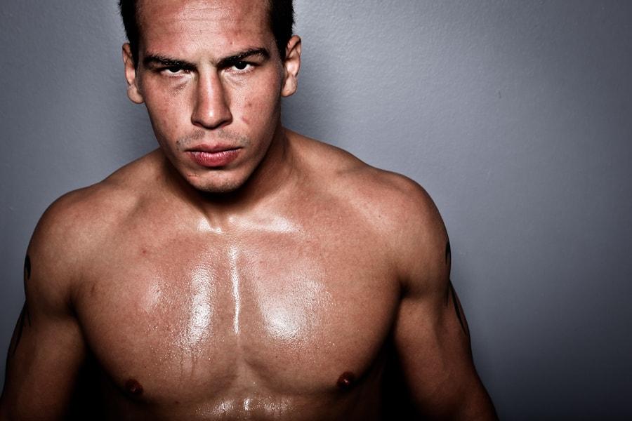 Гуто Иносенте против Энтони Пероша на UFC FN 55