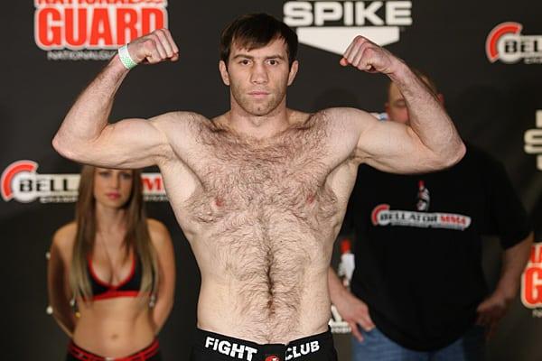 Султан Алиев дебютирует в UFC 24 января боем с Кенни Робертсоном