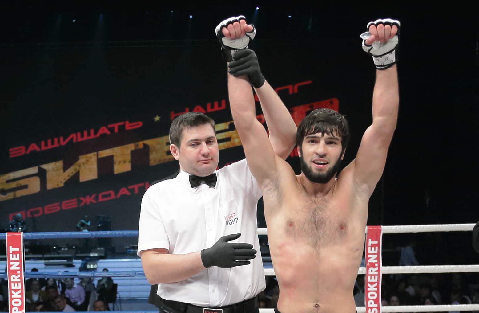 15 февраля Зубайра Тухугов дебютирует в UFC боем с Дугласом Сильвой