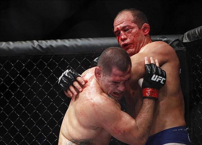 Кейн Веласкес во второй раз победил Джуниора Дос Сантоса